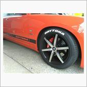 タイヤステッカー貼り付け