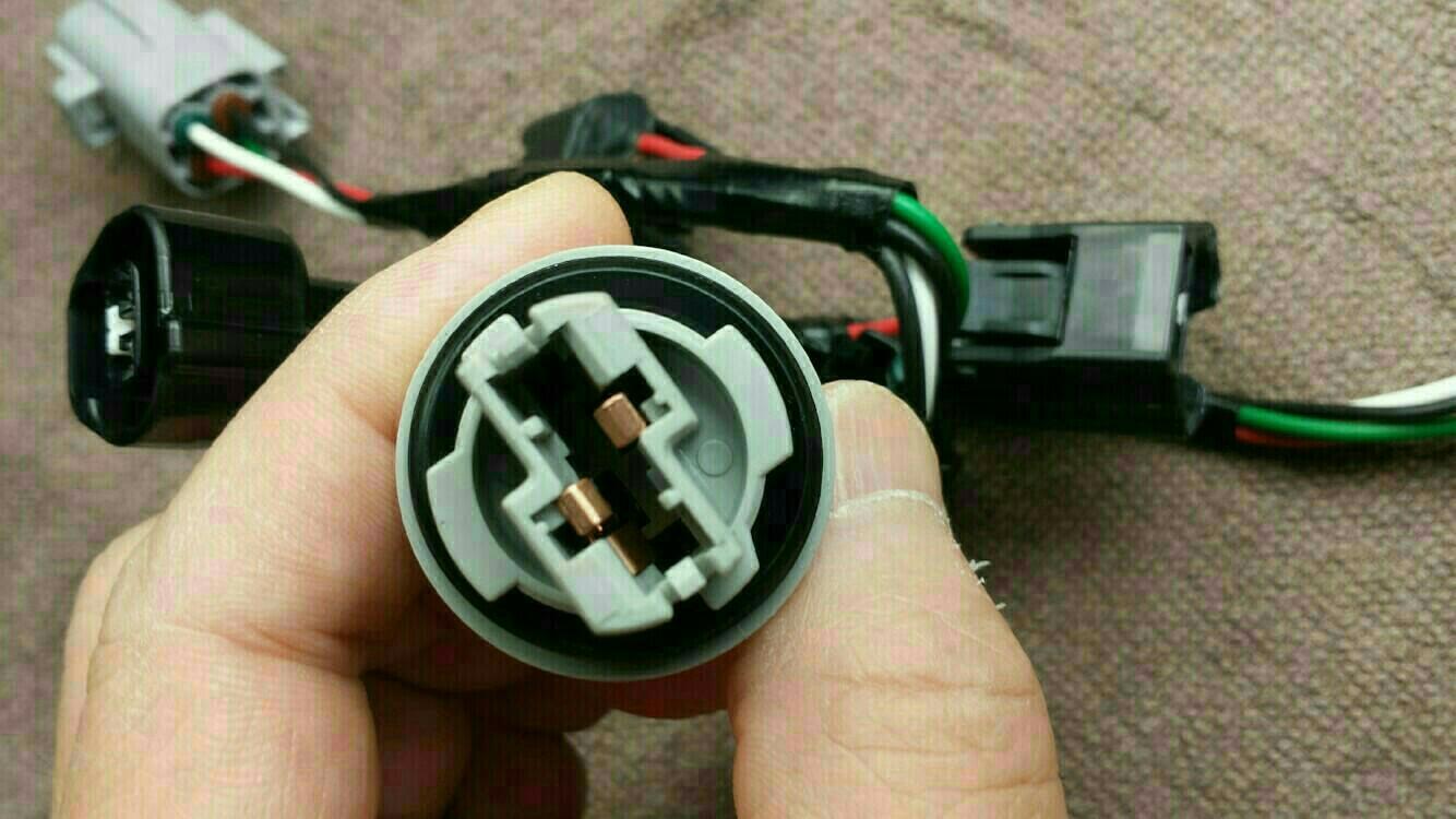 コネクター詳細。<br /> ウィンカーバルブのカプラー。