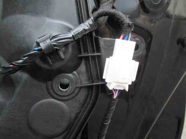 スピーカー交換&デッドニング インナーパネル取外し 4