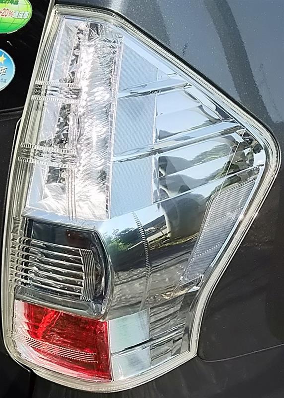 ヘッドライト・テールライトの傷・黄ばみ除去作業