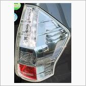beforeは撮影していませんが、テールライトも磨いてみました。<br /> こちらは運転席側のテールライト。<br /> 小傷が消え、納車された直後の輝きを思い出す...(゜Д゜ )