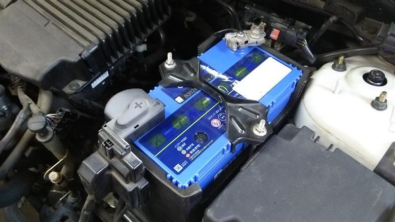 エンジンオイルとバッテリーなど