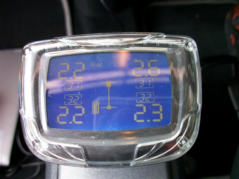 スマート タイヤ空気圧モニタリングシステム(TPMS) 装着②