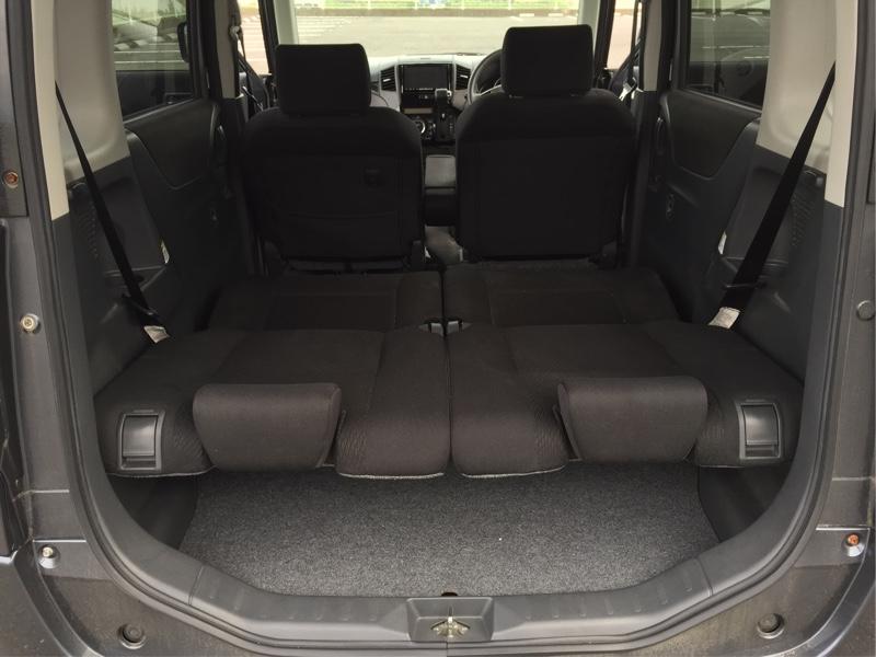後部座席 フラット