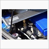 作業は整備士の資格を持った作業者が行ないます。<br /> <br /> HV/EV車への使用も可能な添加剤です。<br /> <br /> 【商品説明】<br /> 普及が進むハイブリッド車・電気自動車には、エンジンに頼らなくても適切な冷暖房ができるよう、電動コンプレッサーを用いたカーエアコンシステムが採用されています。電動コンプレッサーは、コンプレッサーオイル(以下オイル)とモーターが直接接触するため、高い電気絶縁性を持つエステル系のオイルが用いられています。<br /> <br /> 従来品PAC-Rは、安定性の高いPAG※1系のオイルを独自に発展させ開発した特殊変性PAGを使用し、ベルトとプーリーを介してエンジンのパワーで駆動する従来型コンプレッサー用として高い潤滑性とフリクション軽減効果、清浄分散性で発売より大変好評をいただいておりますが、PAG系オイルはエステル系オイルに比べ電気絶縁性が低く、電動コンプレッサーへの対応ができませんでした。<br /> <br /> この度、新開発したパワーエアコン プラス (以下PAC-P)は、特殊変性PAGを濃縮強化配合することで従来品より更に性能を向上しつつ優れた電気絶縁性を有することに成功し、PAG系オイルをベースとした添加剤としては国内初となる従来型コンプレッサーと電動コンプレッサーの両方に対応したオールマイティーなカーエアコン用潤滑添加剤です。<br /> ※1:ポリアルキレングリコール。高い吸湿性でエアコンシステム内での加水分解の心配がなく、コンプレッサーオイルとしての安定性が良い<br /> <br /> 特長<br /> 1) コンプレッサーの潤滑性を向上させ、エアコンのフリクションを軽減し、エアコン使用時の燃費悪化とパワーロスを低減します。<br /> 2) 耐摩耗性・シール性・防食性を向上し、コンプレッサー・エキスパンションバルブ・Oリング・ゴムホースなど、エアコンシステムの耐久性を向上させます。<br /> 3) システム内部の汚れを取り除き分散させることで、熱交換率を高め、エアコンの冷房効率を向上させるとともに、システム内の目詰まりを予防します。<br /> 4) 安定した強い油膜を形成し、コンプレッサーの作動音・振動などを低減します。