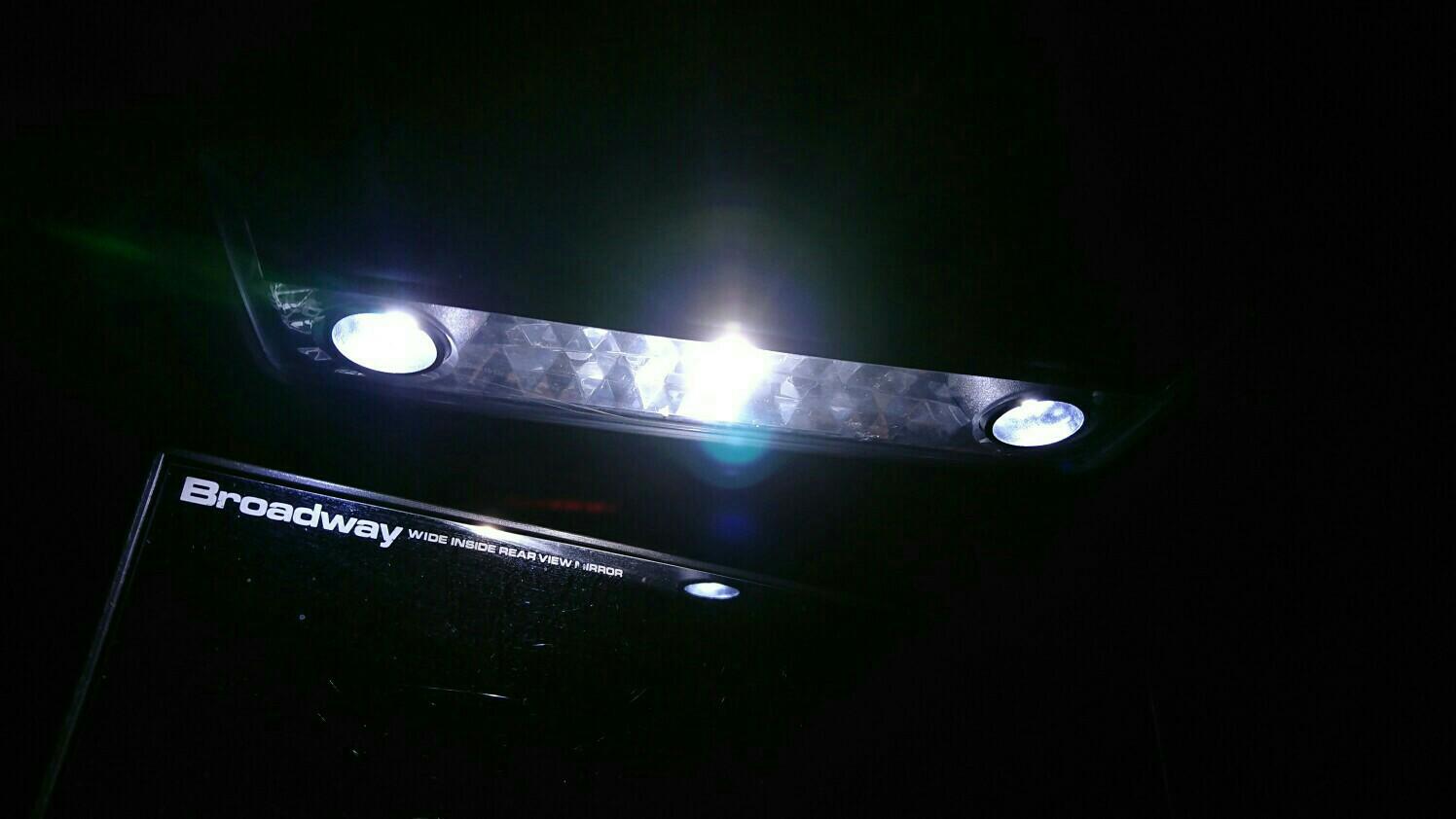 【BMW Z4】ルームランプLED化