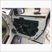 助手席レギュレータモータ点検、ランチャンネル清掃の画像