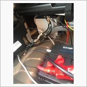 メインバッテリーから分けてますがサブバッテリーのガス抜きホースは純正バッテリーのガス抜きホースを分岐して接続