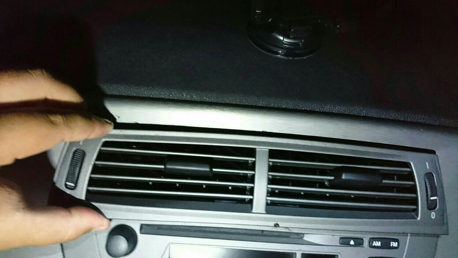 【BMW Z4】AUX入力端子取付
