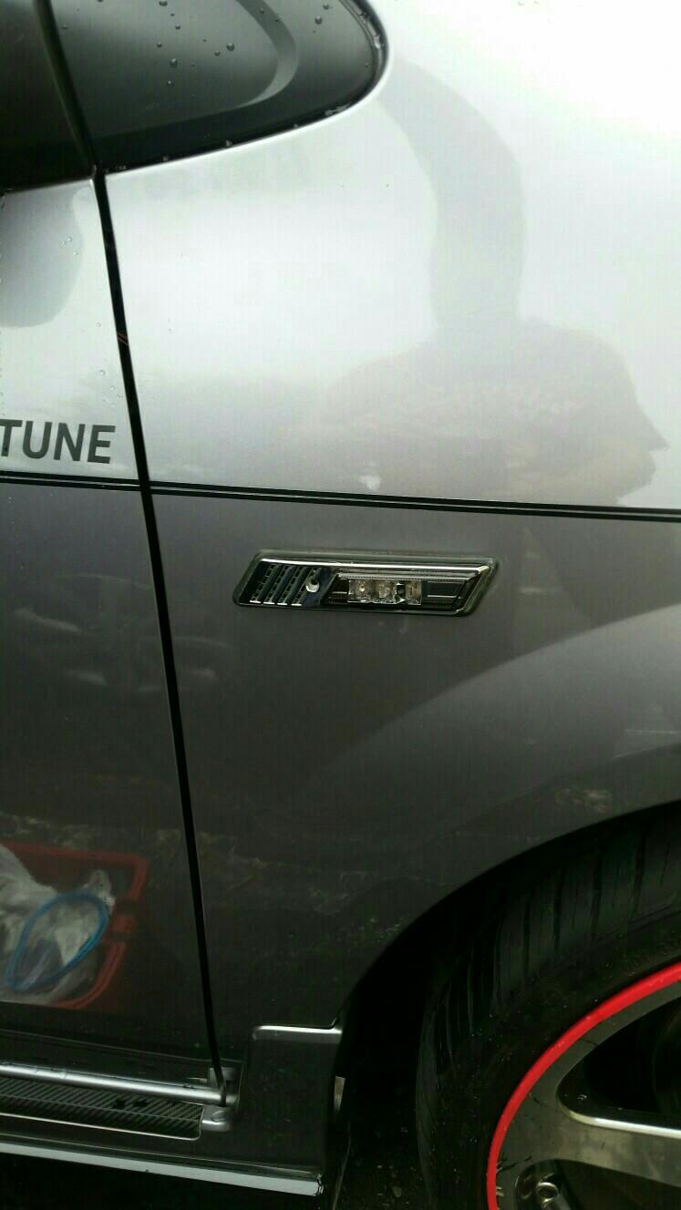BMWサイドマーカー取付