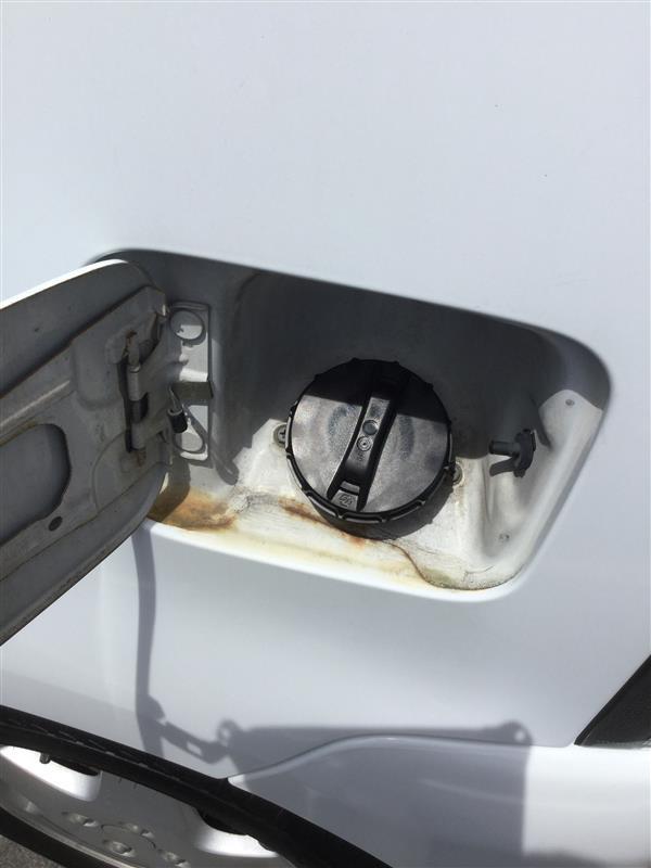 ヮンコの燃料タンクのフューエルキャップ?が行方不明(笑)心当たりのスタンドに電話するけど無いと冷たく