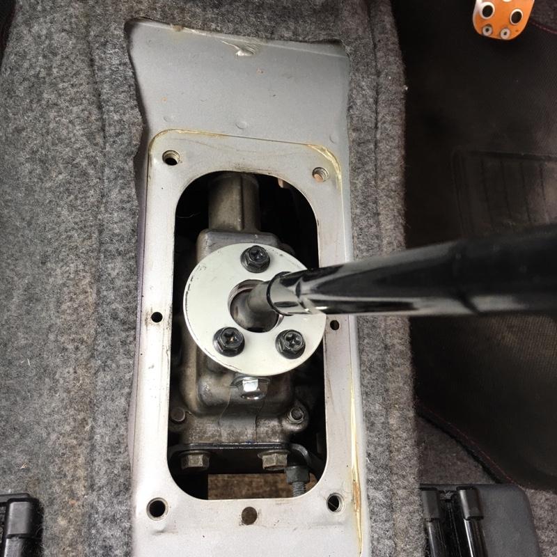 シフトレバーのビビリ修理
