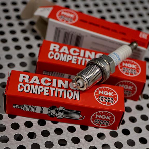 NGK R7433-8 レーシングプラグ
