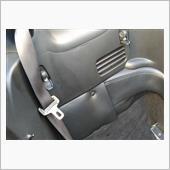 4点式シートベルトアンカー取り付けの画像