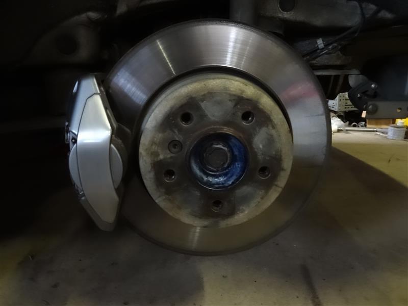 BMW Performanceキャリパー再クリアがけ