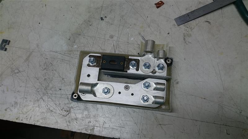 バッテリー移設に伴うヒューズボックスの作成