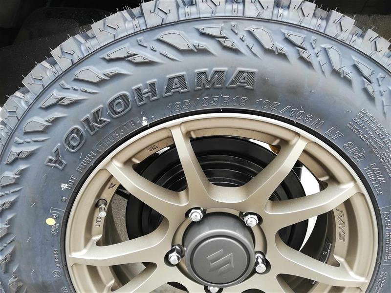 タイヤ交換1回目 YOKOHAMA GIOLANDAR M/T G003 M+S 185/85R16
