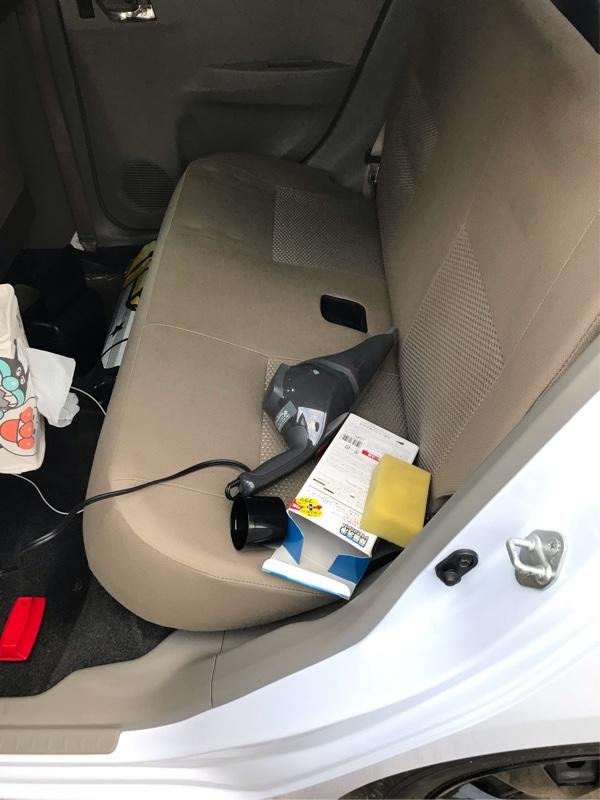 車内清掃。