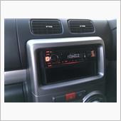 KENWOODのAUX、USB、Bluetooth接続可なCDデッキに取り替えました。<br /> 運転手がBluetooth接続を多用する人なので。