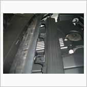 エンジンルーム内ケーブルカバー交換の画像