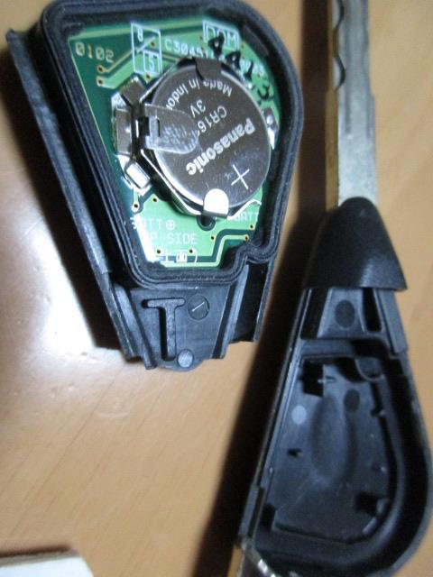 レガシィ キーレス 電池交換