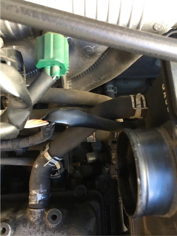 ラパン (HE21S)ターボ タペットカバー油漏れ修理②