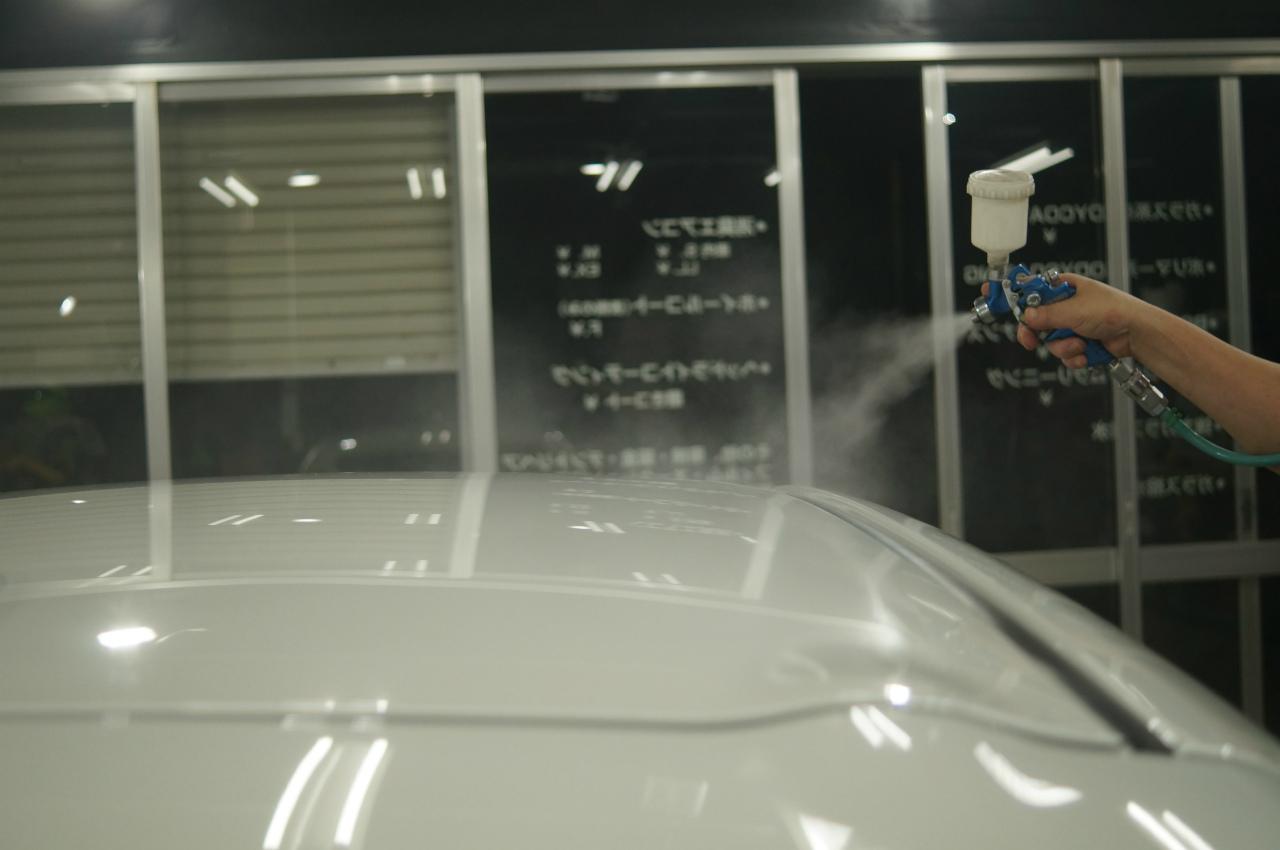 1層目のガラス被膜のガン吹きを終え 硬化時間湿度を管理して^^