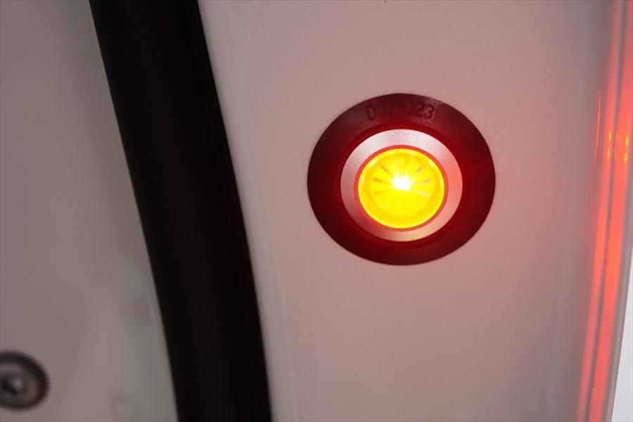AVANZARE DOOR WARNING FLASH LED  取付①
