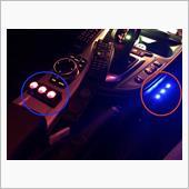現在は赤丸、青丸の<br /> 3連スイッチ2個で制御してまして
