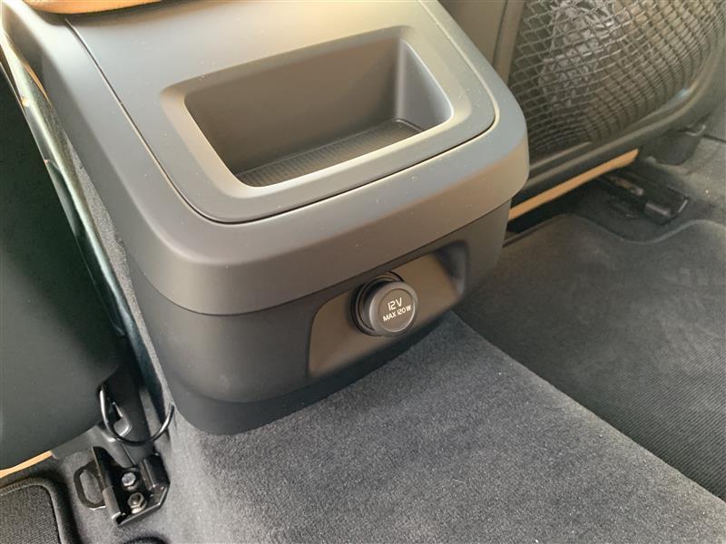 アクセサリー電源分岐と車内WiFi設置