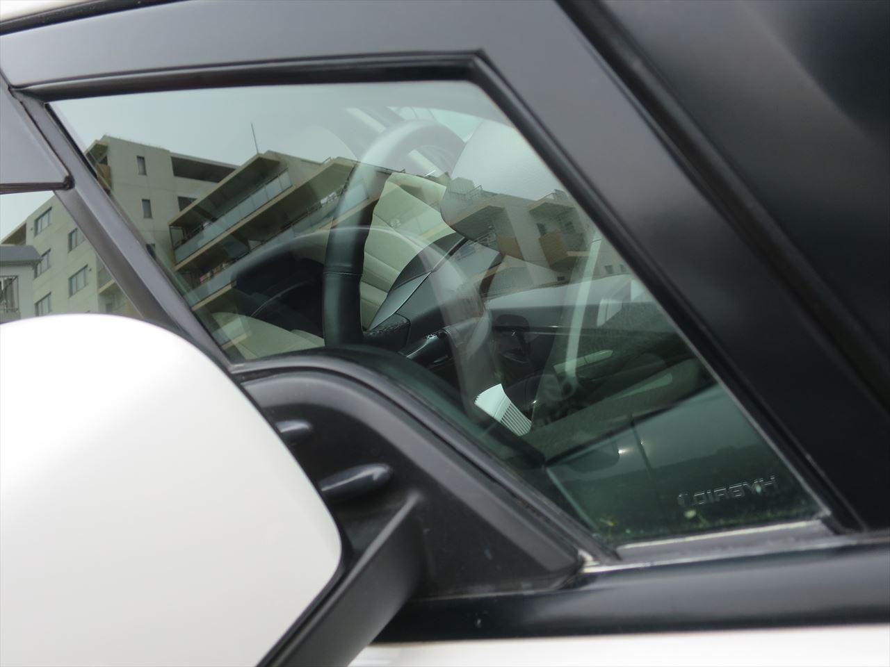 ウロコ の の 車 取り ガラス