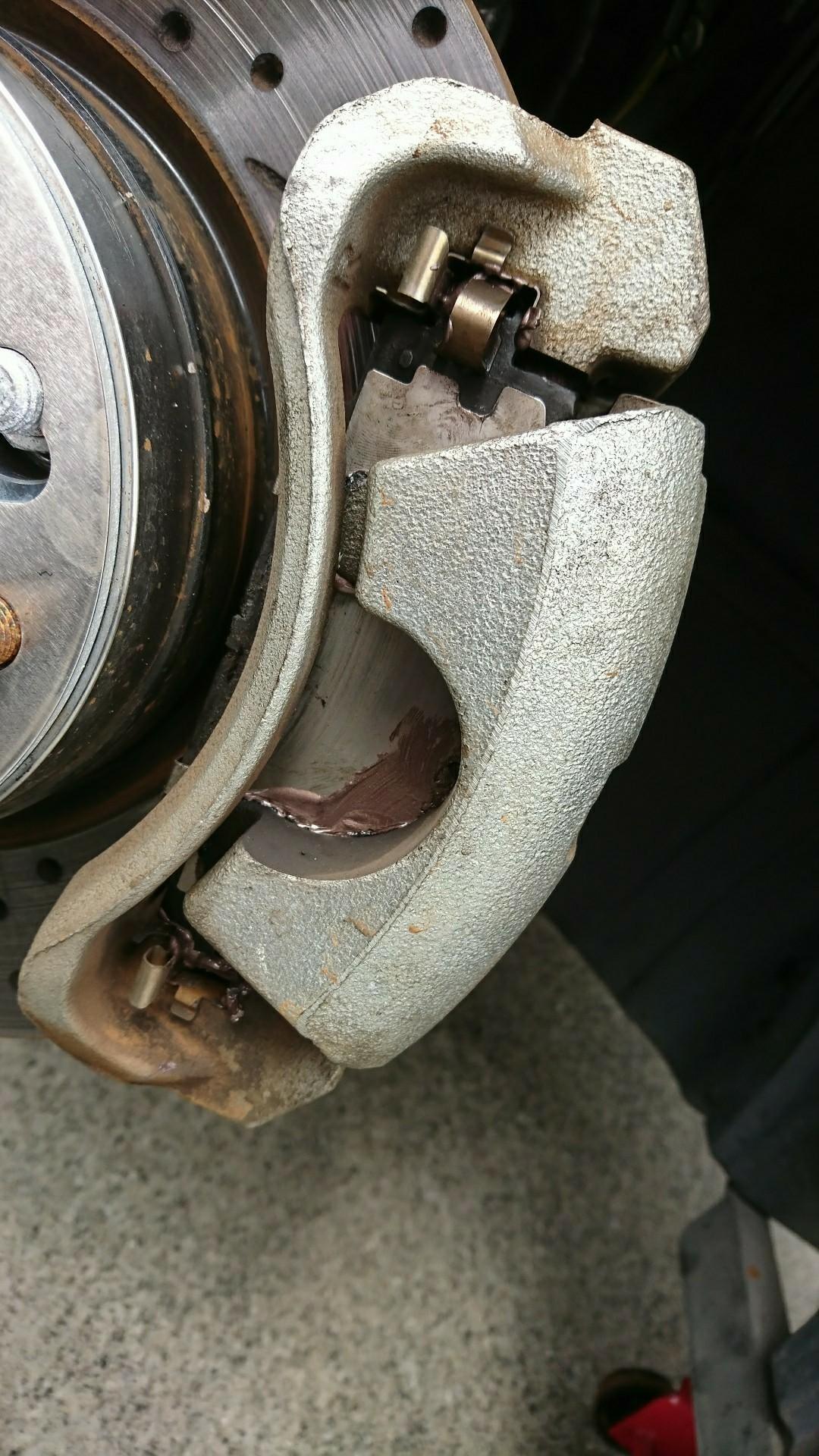 低速ブレーキの異音対策