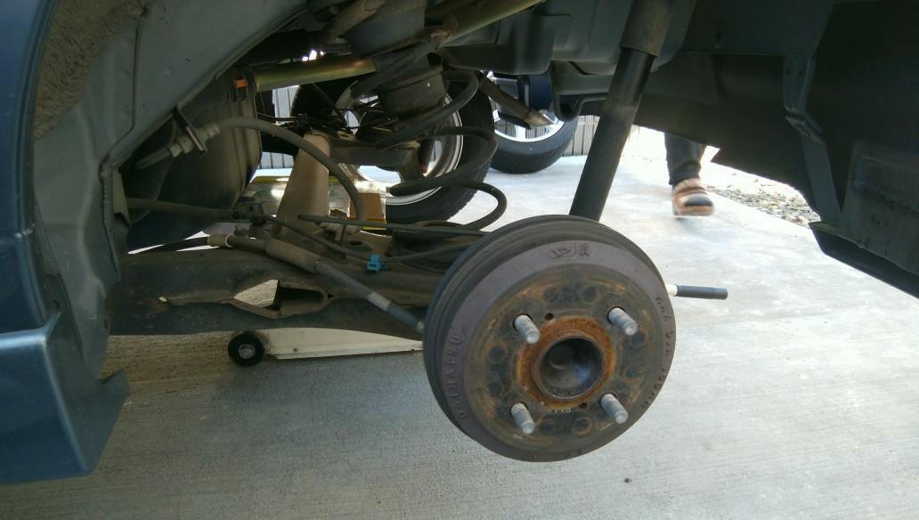 スタッドレス⇨夏用タイヤに交換