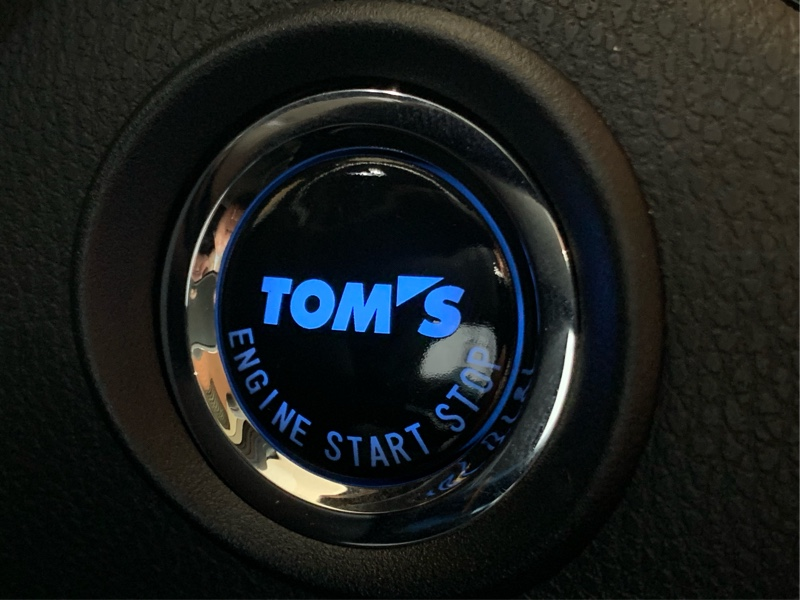 トムス プッシュスタートボタン取り付け