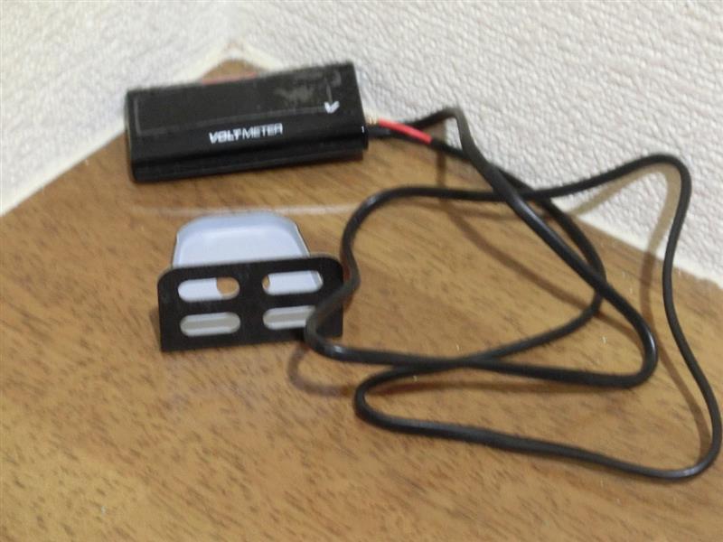 LED電圧計取付