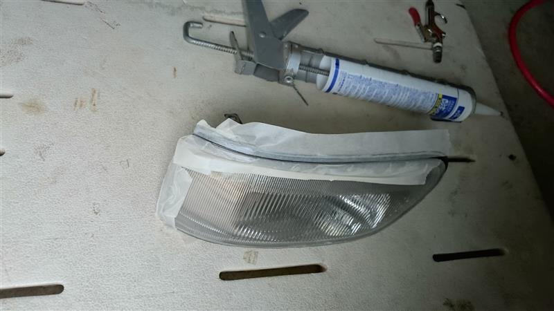 コーナーリングランプ修理
