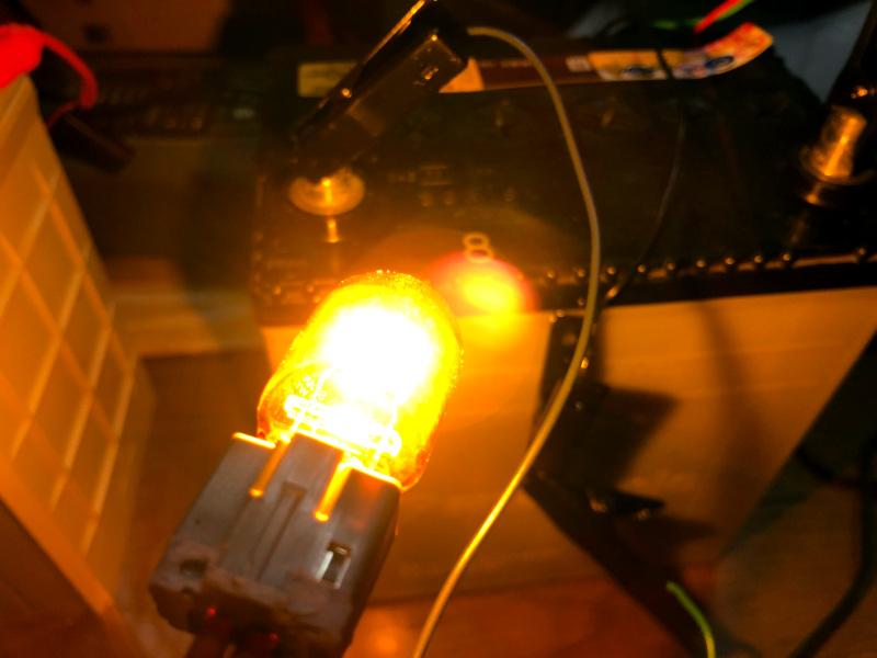 バッテリー交換時に火花を飛ばさない方法