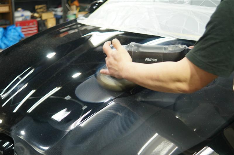RS4 ガラス面の磨き作業を終え