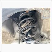 ショックカバーが破れてましたねー<br /> <br /> 16年前の車です。