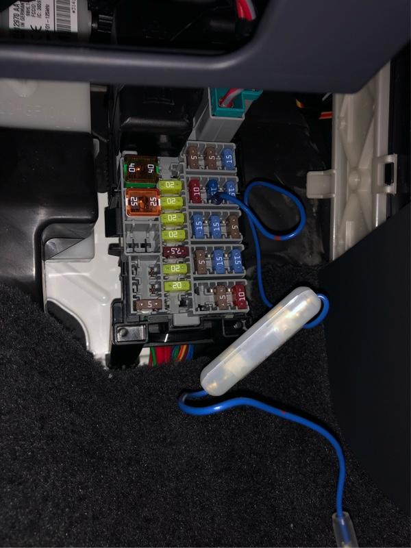 前車のレーダー探知機を移設  電源  ヒューズボックスからの分岐