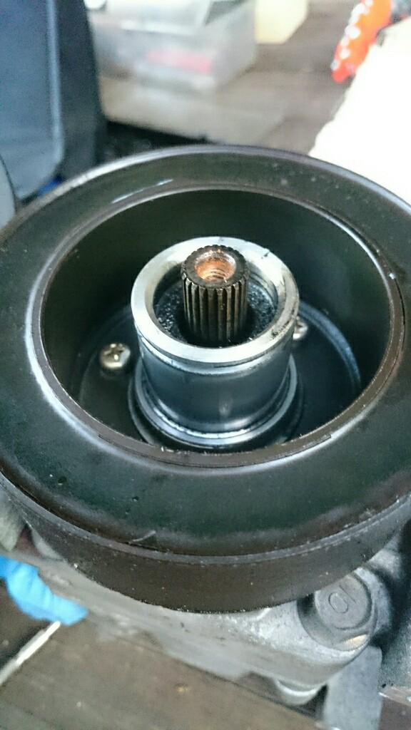 エアコンコンプレッサ 電磁クラッチ分解とDWデミオ用流用検討
