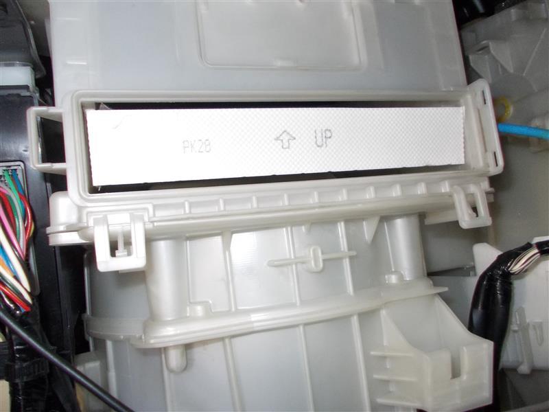 エアコンのフィルター交換。