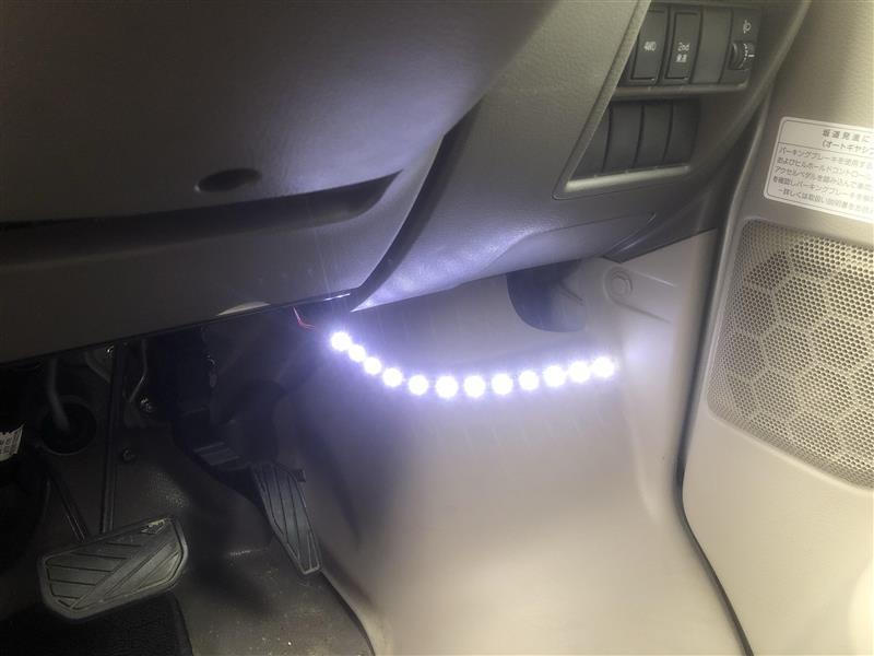 フットランプ LEDテープで作り直し