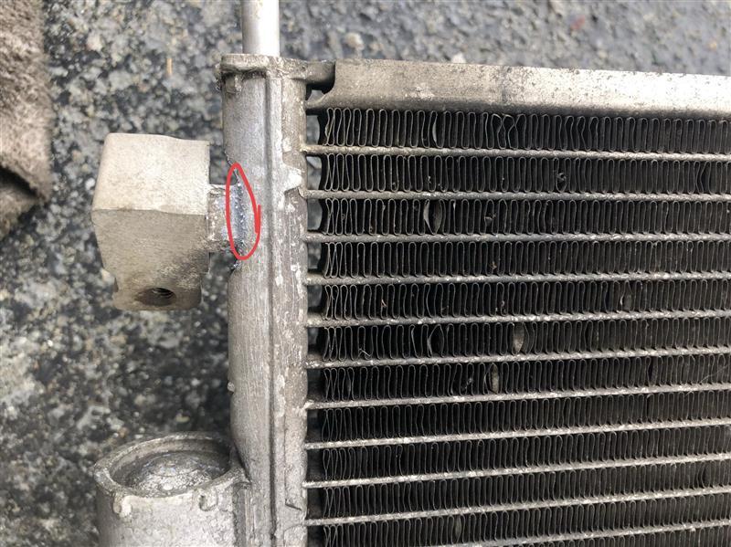 エアコンガス漏れ2