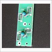 豆球に印加される電圧の極性は青字でこのように書いておいて、LEDを付ける際に、間違えないようにしたが、流す電流はレオスタットで制御されるようになっていることを気にして、回路の解析をしながら、作業は行った。