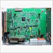 解析のついでに、音声外部入力端子を追加してみようと欲を出し、EMV下部のメインボードを調べていて、見つけたのが、IC451だった。