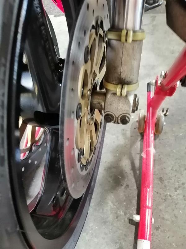 お盆ツーリング前にタイヤ交換5