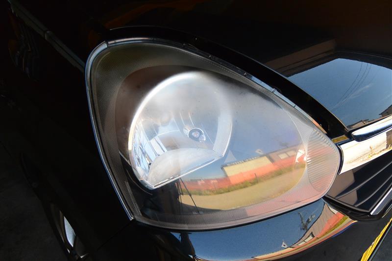 ヘッドライト磨き