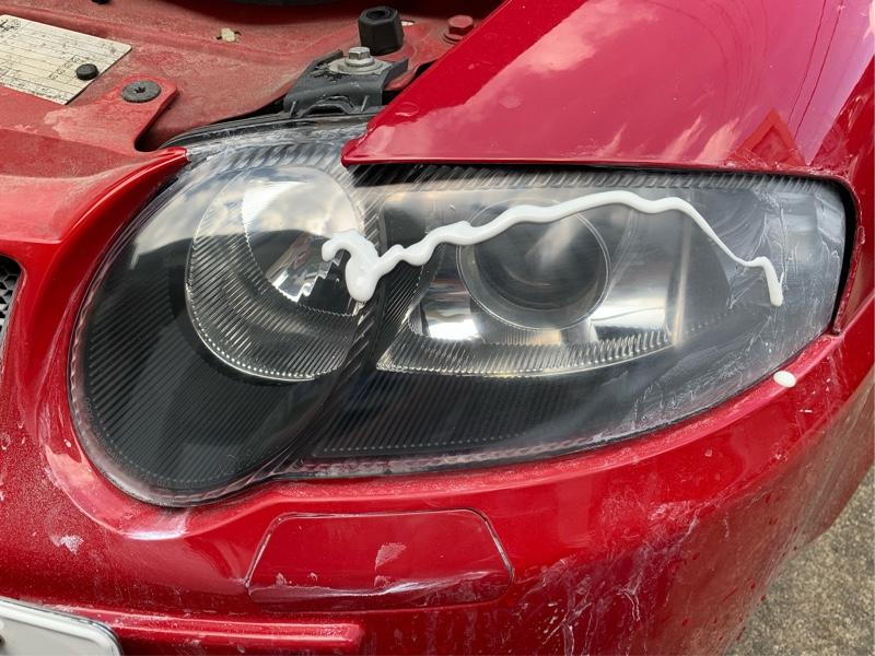 ヘッドライトの劣化補修と再コーティング塗装
