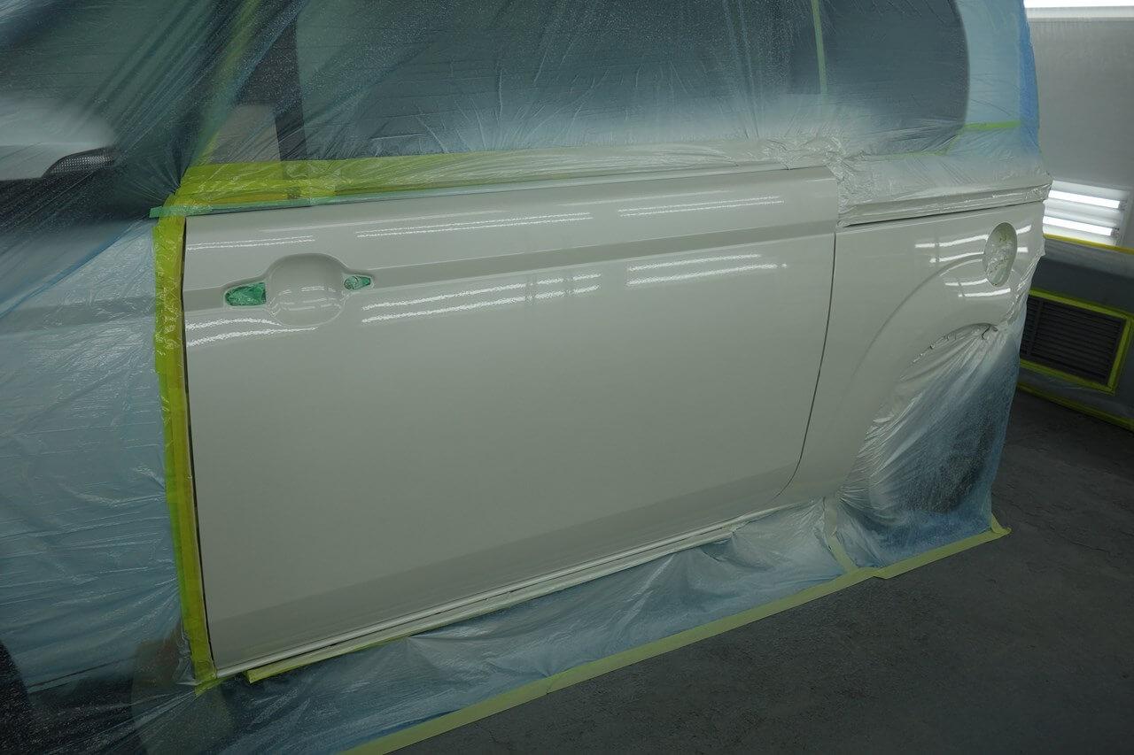トヨタ スペイド 左スライドドア 事故 キズへこみ板金塗装修理。八王子。